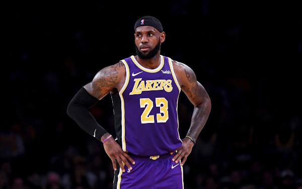d4f2f2eb840 3 NBA FanDuel Studs to Target on 12 21 18 - LeBron James