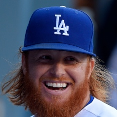 Justin Turner taking seat for Dodgers Tuesday night