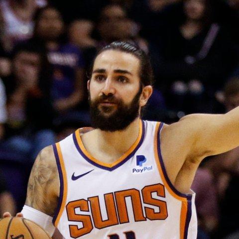 Suns' Ricky Rubio (back) doubtful on Monday, Jevon Carter to start