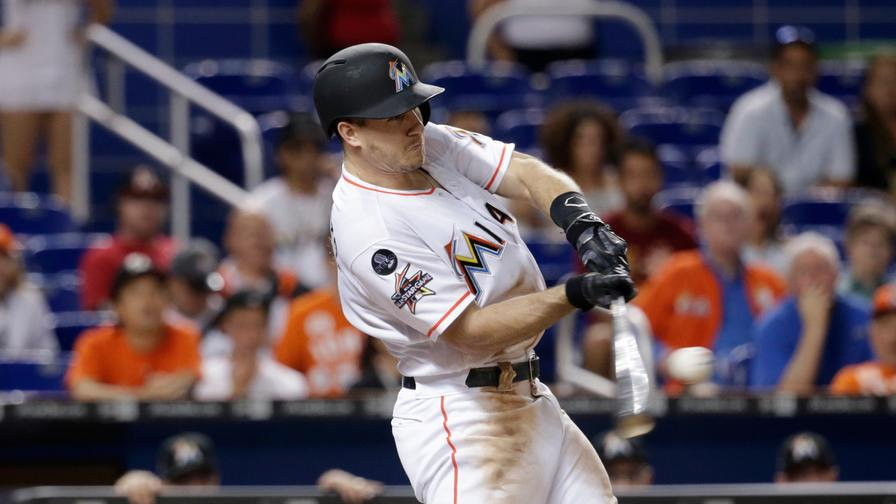 Marlins catcher JT Realmuto requests trade