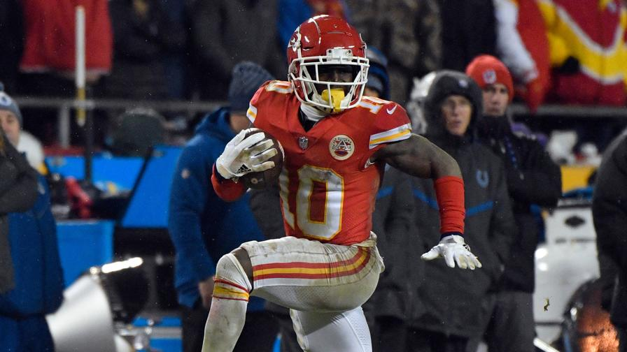 Fantasy Football: What a Full Season for Tyreek Hill Means